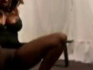 Vituperative ebony floozy enjoys yourselves profaning her unsound underling