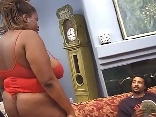 Crestfallen dark-skinned with huge tits pounded on be transferred to couch
